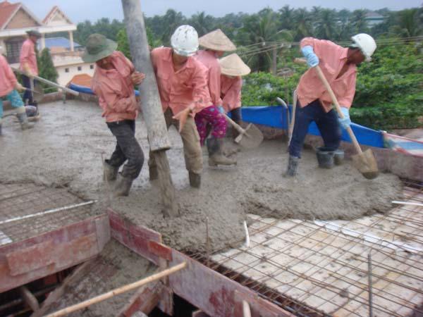 Bê tông tươi là gì? Có nên sử dụng bê tông tươi để xây nhà