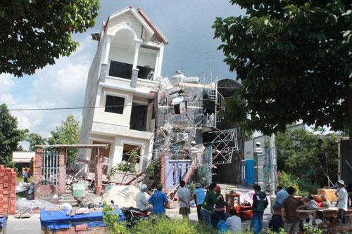Những nguyên nhân dẫn đến sập nhà