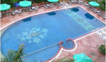 Sang trọng với chất liệu gạch Mosaic trong trang trí bể bơi