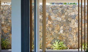 Đá tự nhiên ốp tường cho không gian hiện đại