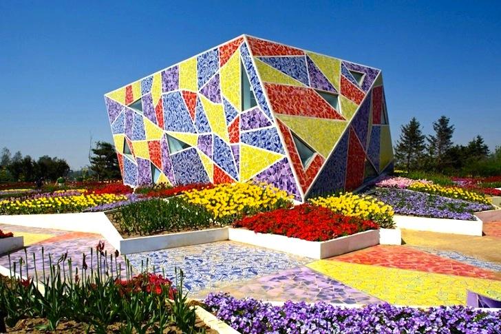 ban-co-the-lam-gi-voi-gach-mosaic-gom