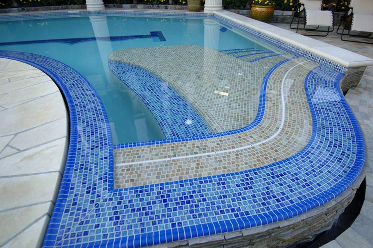 gach-mosaic-ho-boi-mang-dang-cap-5-sao-cho-ngoi-nha-ban-1