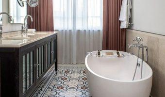 7 cách để sửa sang lại phòng tắm của bạn với gạch bông