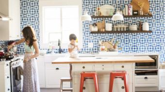 8 lý do tại sao gạch bông lại thích hợp cho việc ốp lát nhà bếp