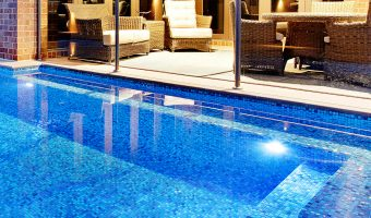 Báo giá gạch mosaic hồ bơi – gạch trang trí bể bơi HOT nhất hiện nay