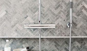 Những cách sáng tạo để dùng gạch trang trí cho phòng tắm