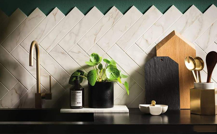 Gạch ốp tường bếp