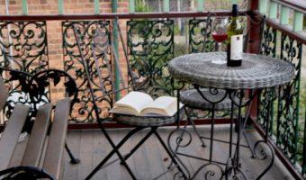 Những góc ban công đẹp dành riêng cho người mê đọc sách