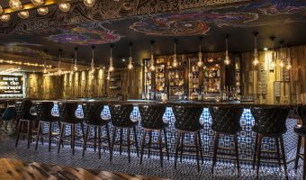 Một sàn nhà gạch bông có thể làm tăng giá trị thẩm mỹ của nhà hàng