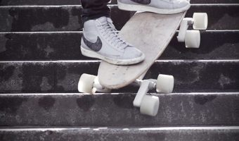 Nẹp trang trí chống trơn trượt cho cầu thang