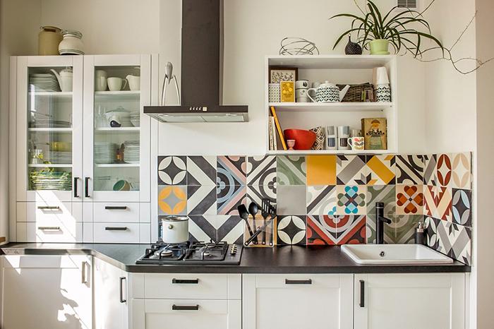 Mẫu gạch bông đẹp trang trí tường bếp