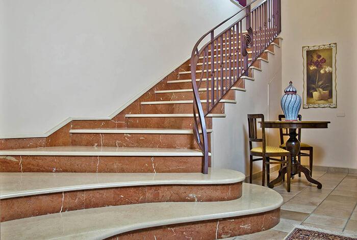 Những điều cần lưu ý khi chọn lựa đá marble ốp cầu thang