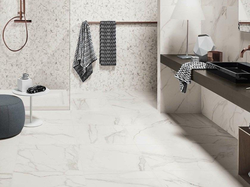 Sàn nhà tắm với đá marble trắng Ý