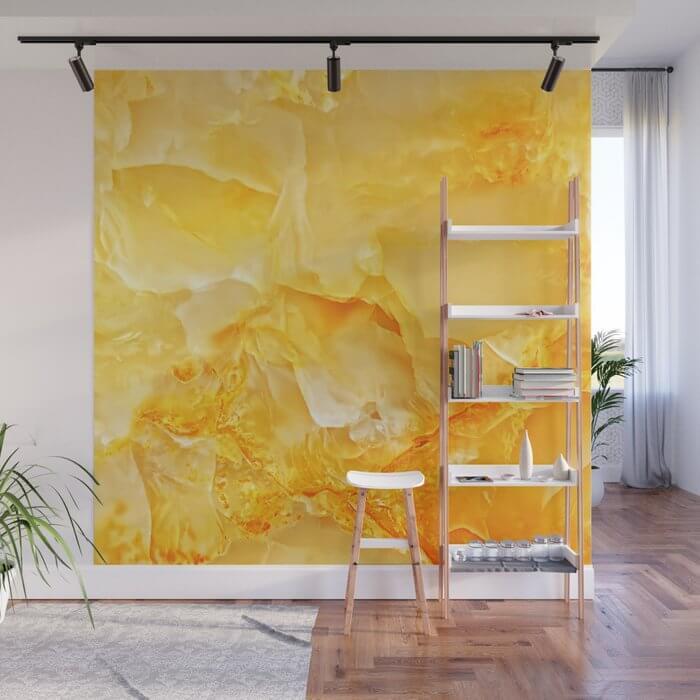 Đá marble vàng ốp tường có hợp không?