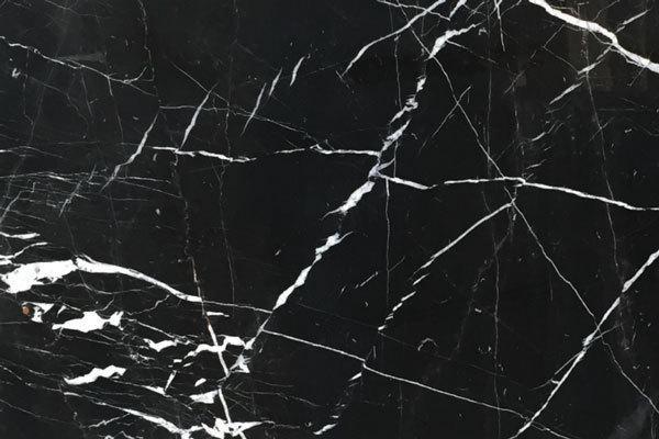 5 không gian đẹp miễn chê với đá marble đen tia chớp 1