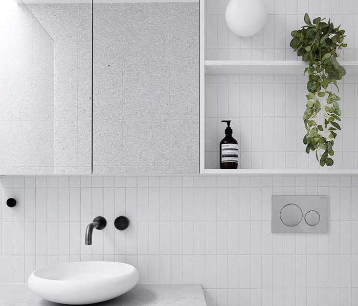 khám phá 3 phong cách ốp nhà tắm vô cùng thu hút bằng gạch thẻ 02