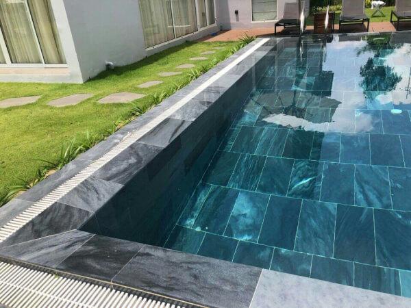 Nên lựa chọn loại gạch ốp lát bể bơi nào-02-1