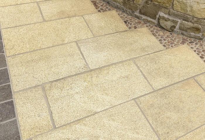 Bí quyết trang trí nhà ở với đá granite vàng Bình Định