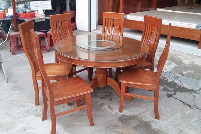 Giới thiệu 15+ mẫu bàn ăn tròn bằng gỗ đang được săn đón-3