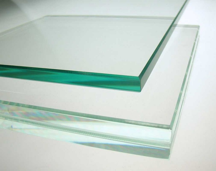 Mẹo phân biệt mặt bàn kính cường lực với kính thường-1