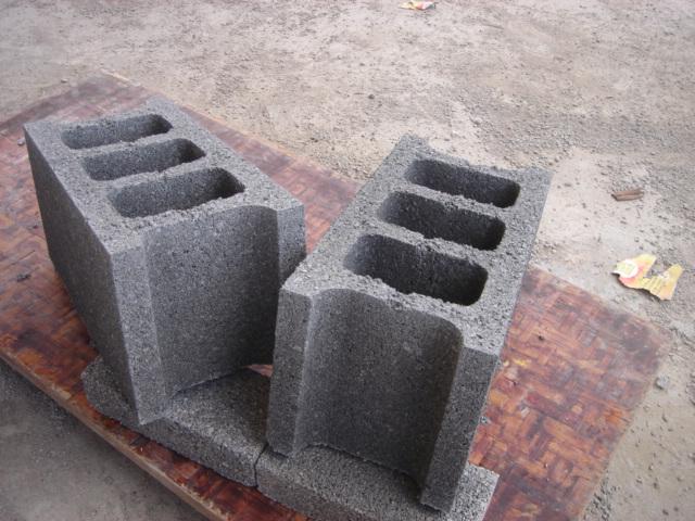 Giá gạch không nung xi măng cốt liệu rỗng 3T