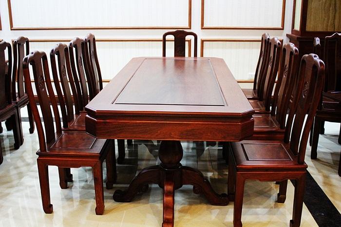 Mẫu bàn đẹp bằng gỗ tự nhiên