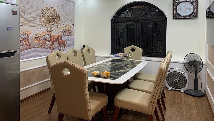 Bộ bàn ăn 6 ghế mặt đá Petrio