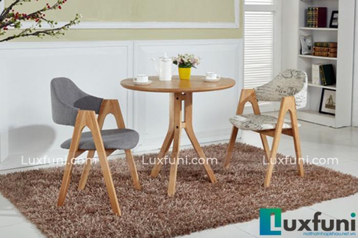 Bàn ăn gỗ công nghiệp thiết kế nhỏ gọn