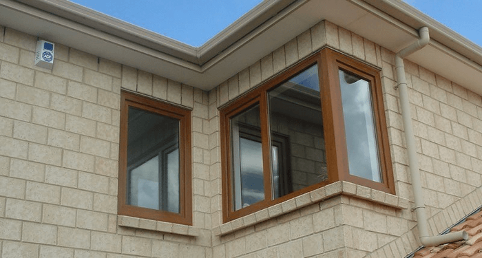 Cửa sổ nhựa lõi thép vân gỗ