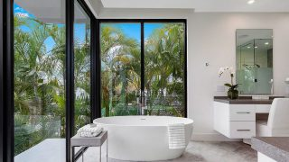 Biến hóa không gian phòng tắm thành Spa thư giãn ngay tại nhà